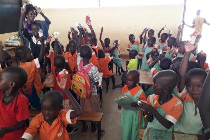Niños muy solidarios que regalan VIDA