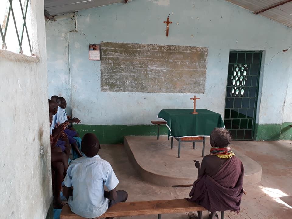 la iglesia/ escuela
