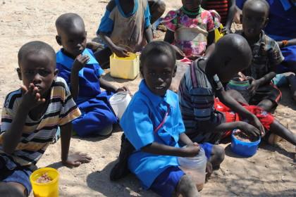 por 5,80 € mes damos nutrición y educación a un niño todo un mes