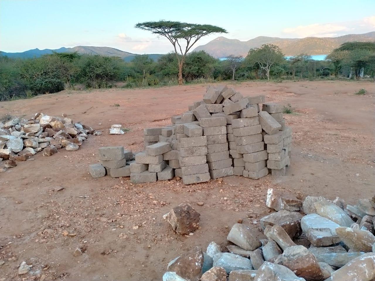 avanza la construcción del dormitorio de la niñas en Cuento de Luz School