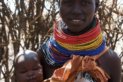 mujer Turkana, mujer valiente